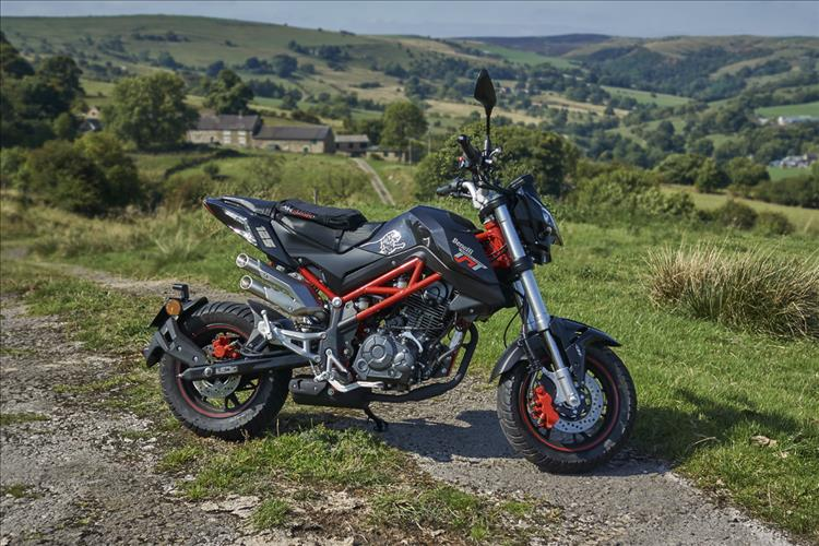 Benelli TnT125 on Butterton Moor