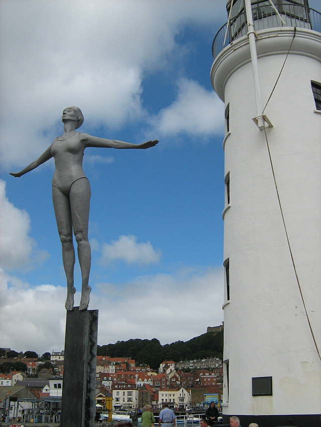 Diving Belle statue next to the Scarborough Lighthouse