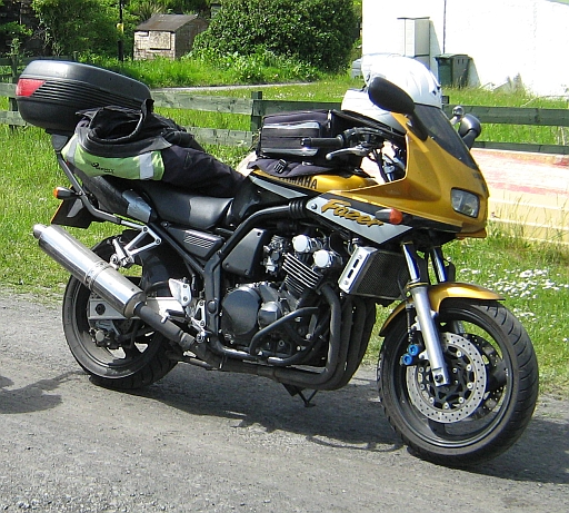 Yamaha FZS 600 FAzer in Gold and Black