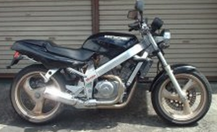 Bike reviews review of the honda nt 400 bros by ren withnell honda nt 400 bros thecheapjerseys Choice Image
