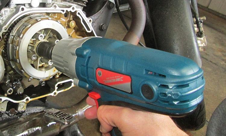 The blue silverline impact wrench being used to undo the really tight clutch nut