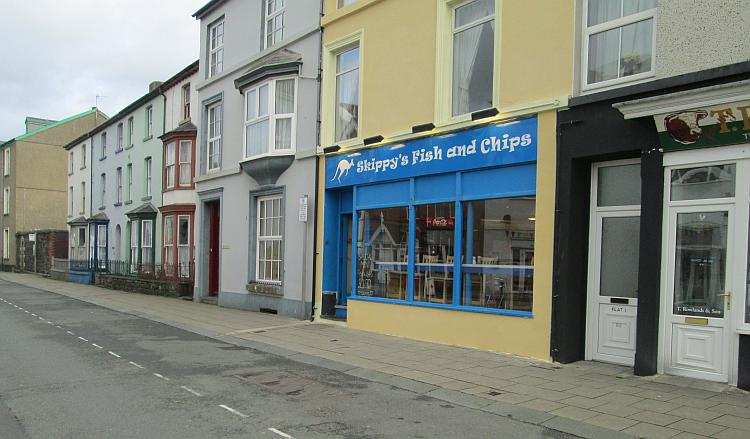 Just a regular chippy but with seating and good chip Skippy's is a godsend