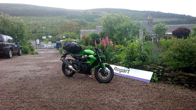 Sharon's Kawasaki at Sleeperzz with the station and the hills behind