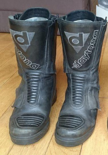 Another shot of Sharon's Daytona Lady Star GTX Boots