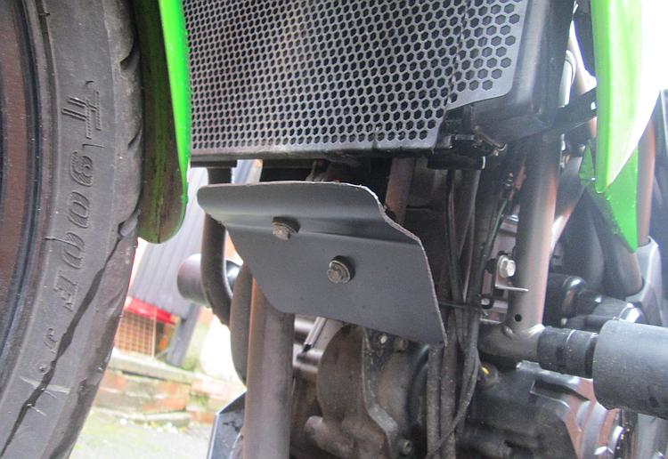 The new cover in situ under the radiator on the Kawasaki Z250SL