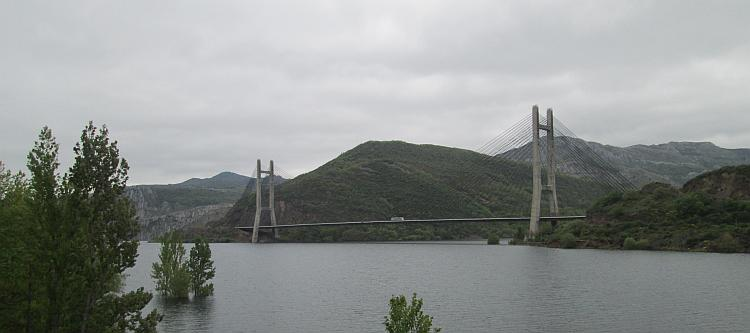 A large suspension bridge over the reservoir