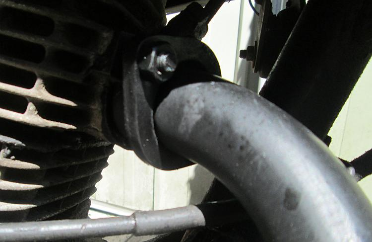 A bit of black paint slapped onto the headers of the exhaust on the CBf125