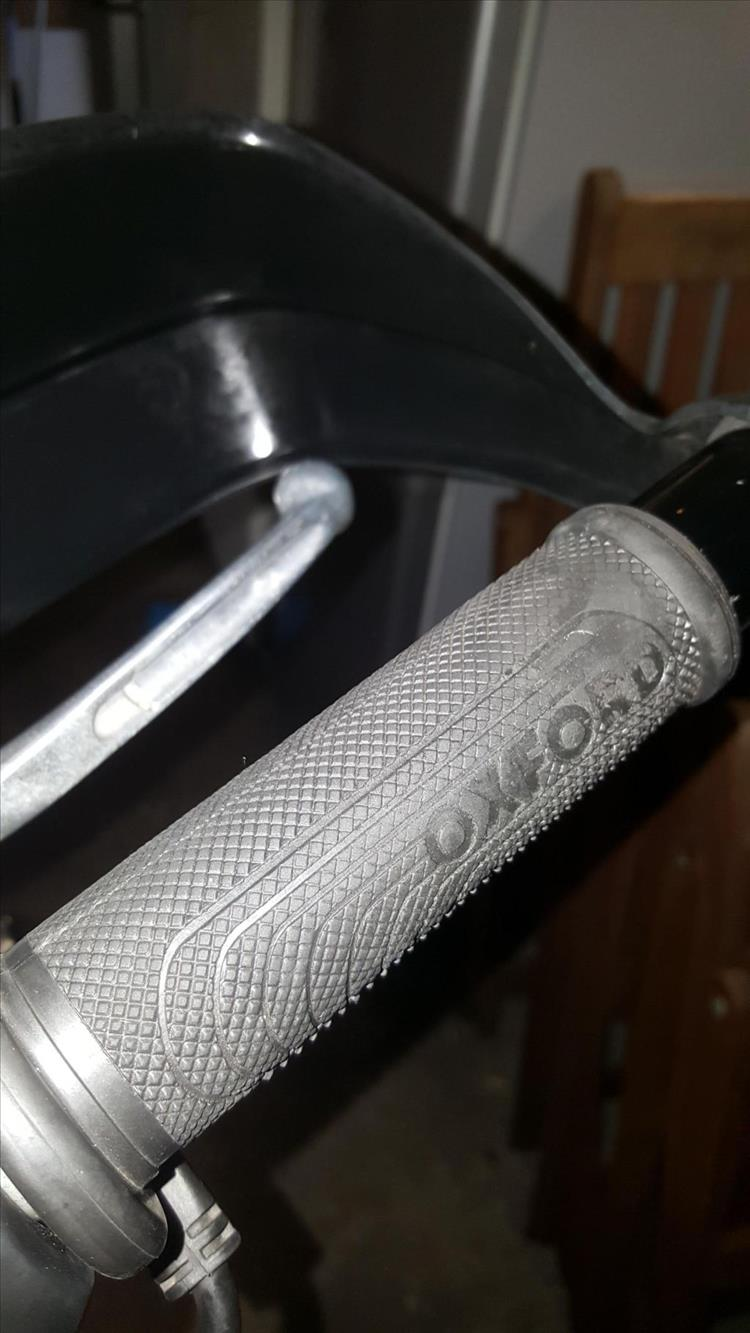 The oxford heated grip looks like most grips just a little thicker