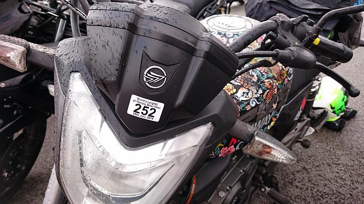 A sticker showing 252 on the front of Sharon's Keeway RKS125