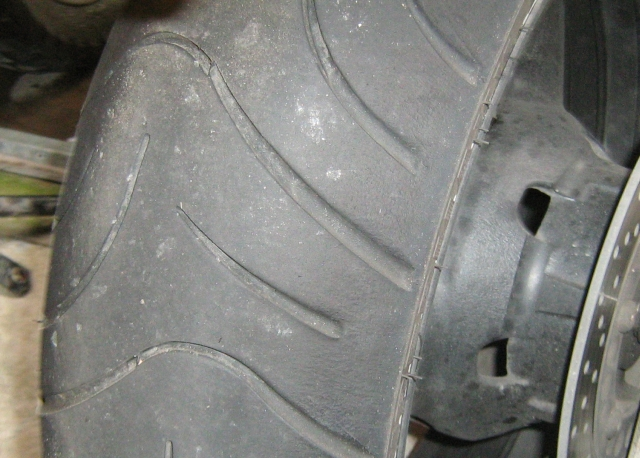 fazer rear tyre showing the whole of the tread is used