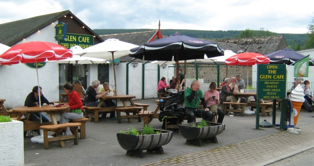 a cafe in Drumnadrochit where the lodge was supposed to be.