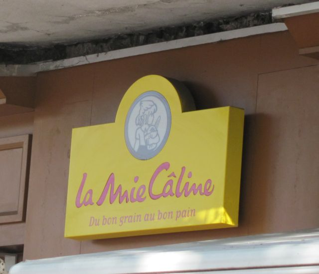 shop sig reading la mie caline at millau
