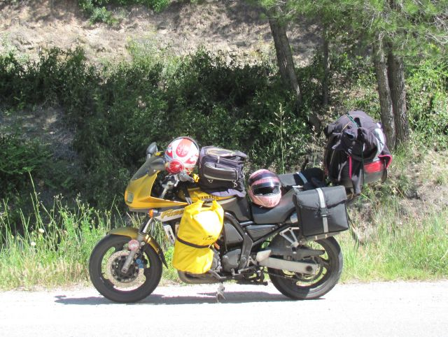 yamaha fazer fzs 600 loaded with camping and holiday gear in the sunshine