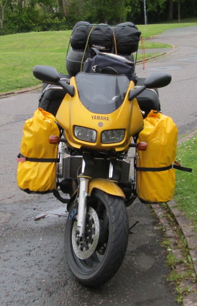 front view of the fazer with the full load showing the side bags