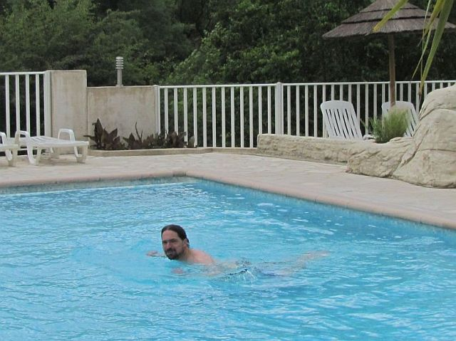 ren, the bf, swimming in the pool too
