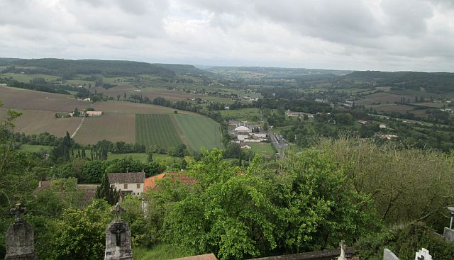 a magnificent view over the river lot region from the bastille on the hill