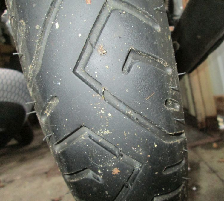 pirelli mt75 tread that's a bit dirty
