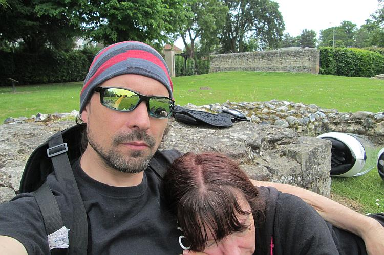 Ren takes a selfie as sharon rests her head on his chest at thetford abbey ruins