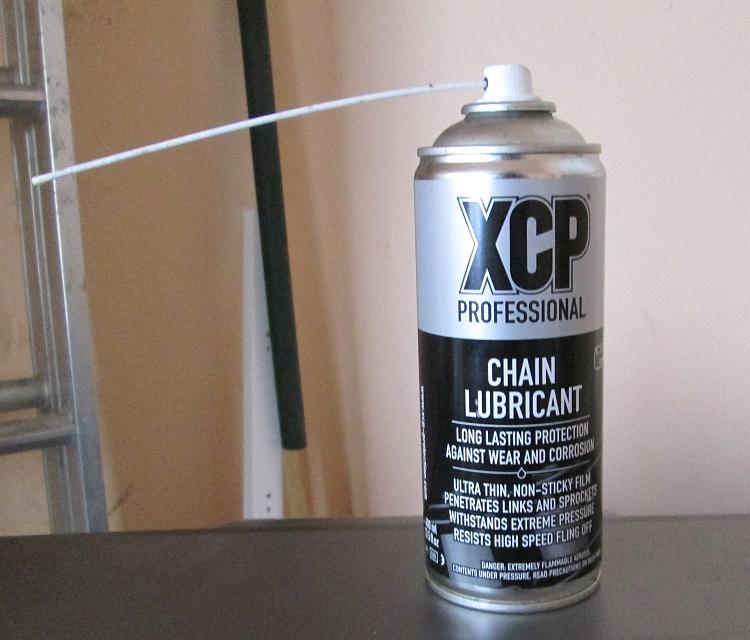 the XCP professional chain lube can seen from the front