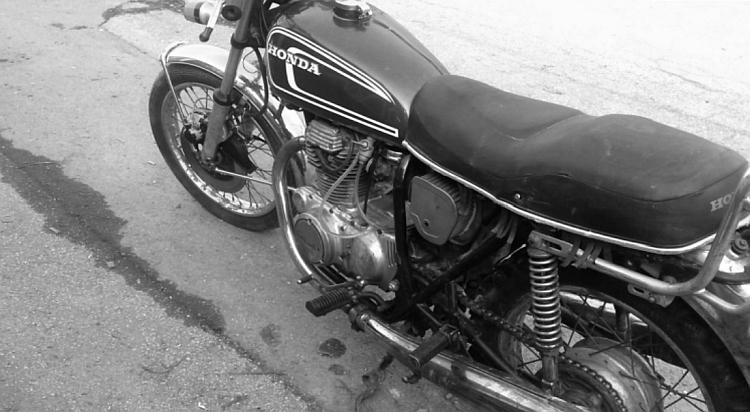 A black and white image of Tom's CB250 G5