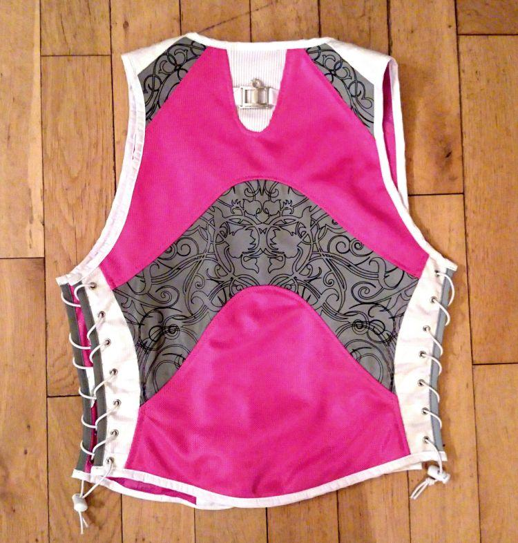 the rear of the Icon corset as they like to call it. Pink panels and lots of reflective material
