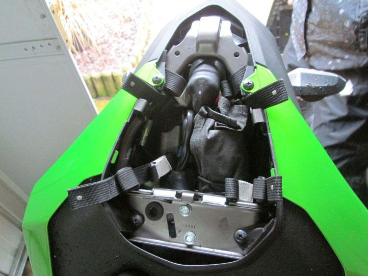 The 4 straps are fitted to the subframe and the loops in position for the bag